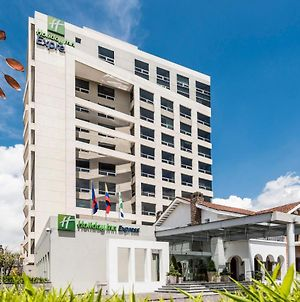 Holiday Inn Express Quito photos Exterior