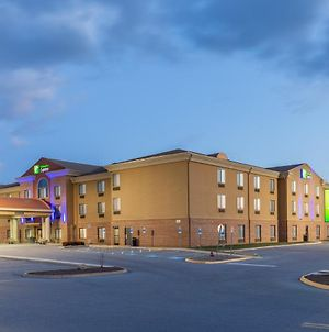 Holiday Inn Express Charles Town, An Ihg Hotel photos Exterior