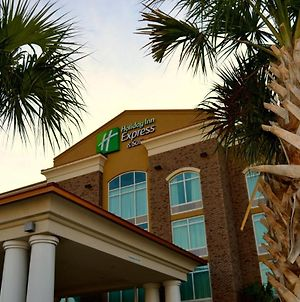 Holiday Inn Express & Suites Charleston Arpt-Conv Ctr Area photos Exterior