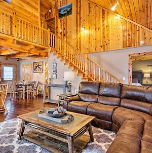 Cozy Cabin Retreat With Deck By Golf And Bass Fishing! photos Exterior