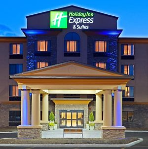 Holiday Inn Express Hotel & Suites Syracuse North Airport Area photos Exterior