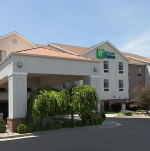 Holiday Inn Express Hotel & Suites Dayton West - Brookville photos Exterior