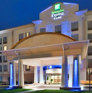 Holiday Inn Express Hotel & Suites Fredericksburg, An Ihg Hotel photos Exterior