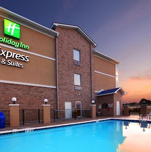 Holiday Inn Express Hotel & Suites Clarksville photos Exterior