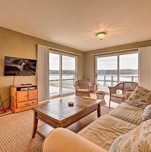 Waterfront Retreat With Deck Less Than 1 Mile To Beach! photos Exterior