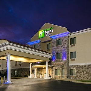 Holiday Inn Express & Suites Clinton, An Ihg Hotel photos Exterior