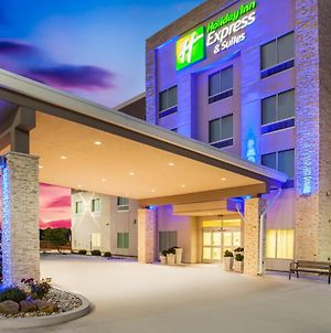 Holiday Inn Express & Suites Litchfield, An Ihg Hotel photos Exterior