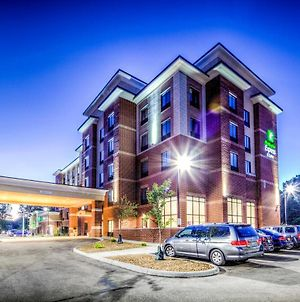 Holiday Inn Express & Suites Cleveland West - Westlake photos Exterior