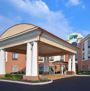 Holiday Inn Express & Suites Akron Regional Airport Area photos Exterior