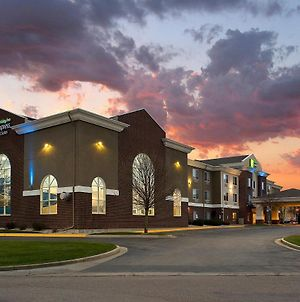 Holiday Inn Express Hotel & Suites Brookings, An Ihg Hotel photos Exterior