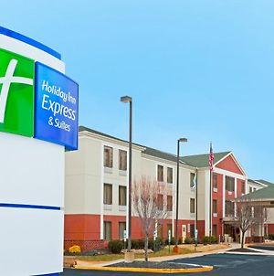 Holiday Inn Express Carneys Point New Jersey Turnpike Exit 1 photos Exterior