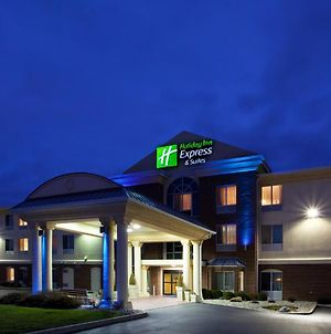 Holiday Inn Express Hotel & Suites Cincinnati-Blue Ash photos Exterior
