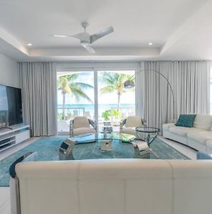 White House - Exclusive Luxury Beachfront Villa - Private White Sand Beach photos Exterior