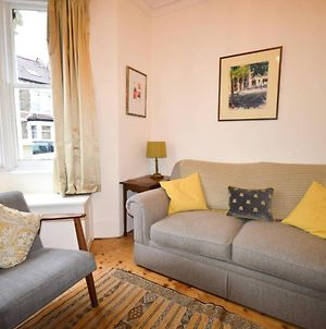 Beautiful 3 Bedroom House Off Gloucester Road photos Exterior