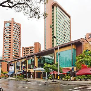 Hotel Holiday Inn Express & Suites Medellin, An Ihg Hotel photos Exterior