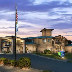 Holiday Inn Express Hotel & Suites Arcata/Eureka-Airport Area, An Ihg Hotel photos Exterior