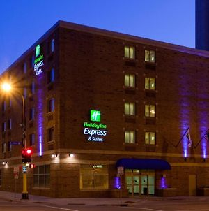 Holiday Inn Express Hotel & Suites Minneapolis-Downtown Convention Center, An Ihg Hotel photos Exterior
