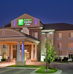 Holiday Inn Express Hotel & Suites Wichita Airport, An Ihg Hotel photos Exterior