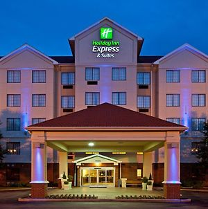 Holiday Inn Express Hotel & Suites Indianapolis - East, An Ihg Hotel photos Exterior