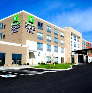 Holiday Inn Express & Suites Oswego photos Exterior