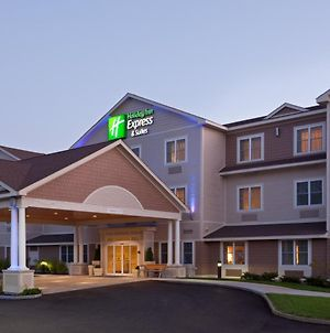 Holiday Inn Express & Suites Tilton photos Exterior