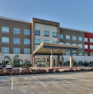 Holiday Inn Express & Suites Houston East - Beltway 8 photos Exterior