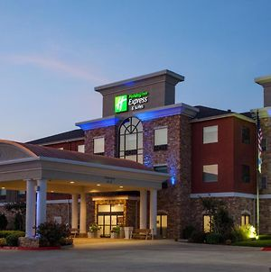 Holiday Inn Express & Suites Texarkana photos Exterior