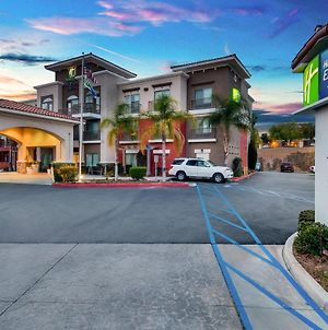 Holiday Inn Express & Suites Lake Elsinore photos Exterior