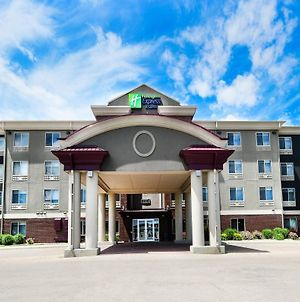 Holiday Inn Express Hotel & Suites Grand Forks, An Ihg Hotel photos Exterior