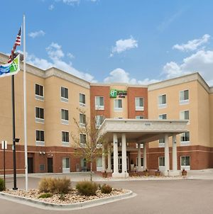 Holiday Inn Express & Suites Denver North - Thornton, An Ihg Hotel photos Exterior