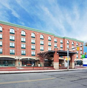 Holiday Inn Express Hotel & Suites Pittsburgh-South Side, An Ihg Hotel photos Exterior