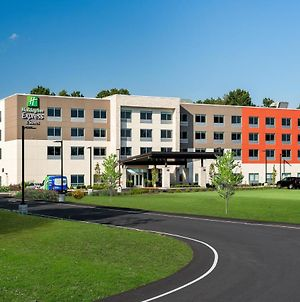 Holiday Inn Express Queensbury - Lake George Area photos Exterior