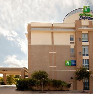 Holiday Inn Express San Antonio Rivercenter Area photos Exterior
