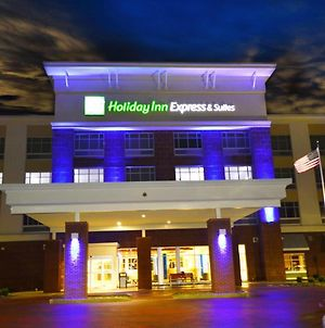 Holiday Inn Express & Suites Toledo South-Perrysburg photos Exterior