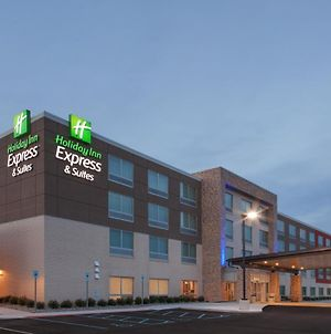 Holiday Inn Express & Suites - Sterling Heights-Detroit Area, An Ihg Hotel photos Exterior