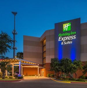 Holiday Inn Express & Suites San Antonio Medical Center North photos Exterior