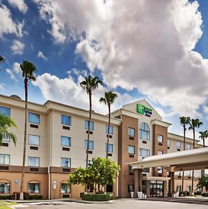Holiday Inn Express Hotel & Suites Pharr photos Exterior