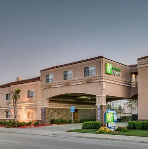 Holiday Inn Express Hotel & Suites Santa Clara photos Exterior