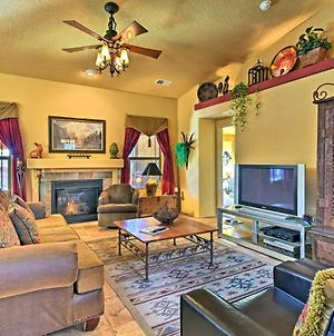 Spacious Bernalillo Home With Patio & Mountain Views! photos Exterior