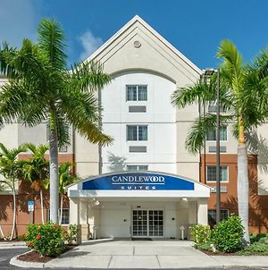 Candlewood Suites Fort Myers Sanibel Gateway photos Exterior