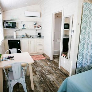 Waterfront Studio With Shared Porch #11 At Long Cove Resort photos Exterior