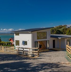 Tapu Bay Treasure - Kaiteriteri Holiday Home photos Exterior