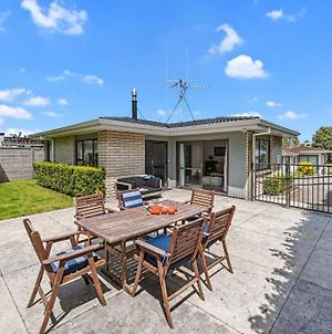 Bach Relax - Mt Maunganui Holiday Home photos Exterior