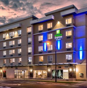 Holiday Inn Express & Suites Victoria - Colwood photos Exterior