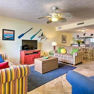 Townhome With Private Yard, Walk To Beach And Dining! photos Exterior