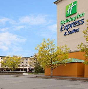 Holiday Inn Express And Suites Seattle City Center photos Exterior