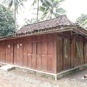 Homestay Mbah Parni photos Exterior