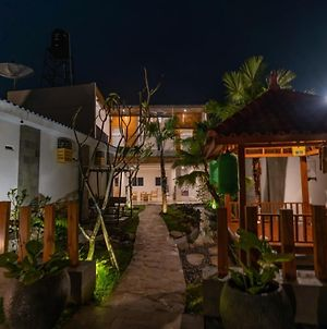 Fredelia Homestay photos Exterior