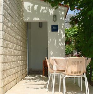 Apartment In Kastel Gomilica With Terrace, Air Condition, Wifi photos Exterior