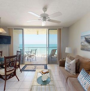 Steps Away From The Soft, White, Sandy Beaches Of Beautiful Marco Island!! photos Exterior